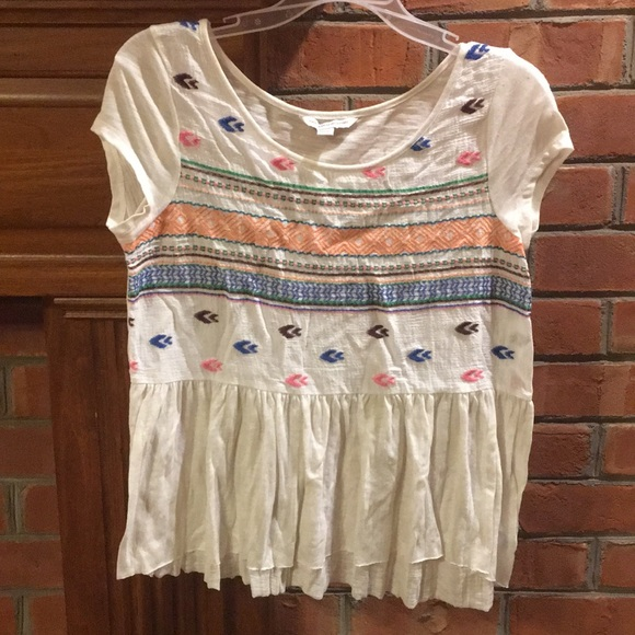 American Eagle Outfitters Tops - American eagle embroidered peplum top